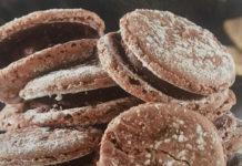 Μπισκότα γεμιστά με σοκολάτα και λεμόνι