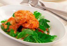 Γαρίδες πικάντικες με πιπεριές και κρεμμυδάκια