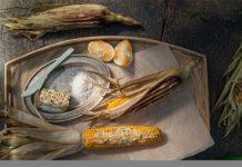 Καλαμπόκι ψητό με βούτυρο λεμονιού και μπούκοβο